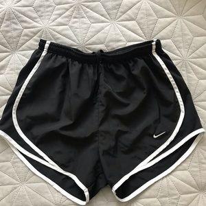 Black nike tempo shorts
